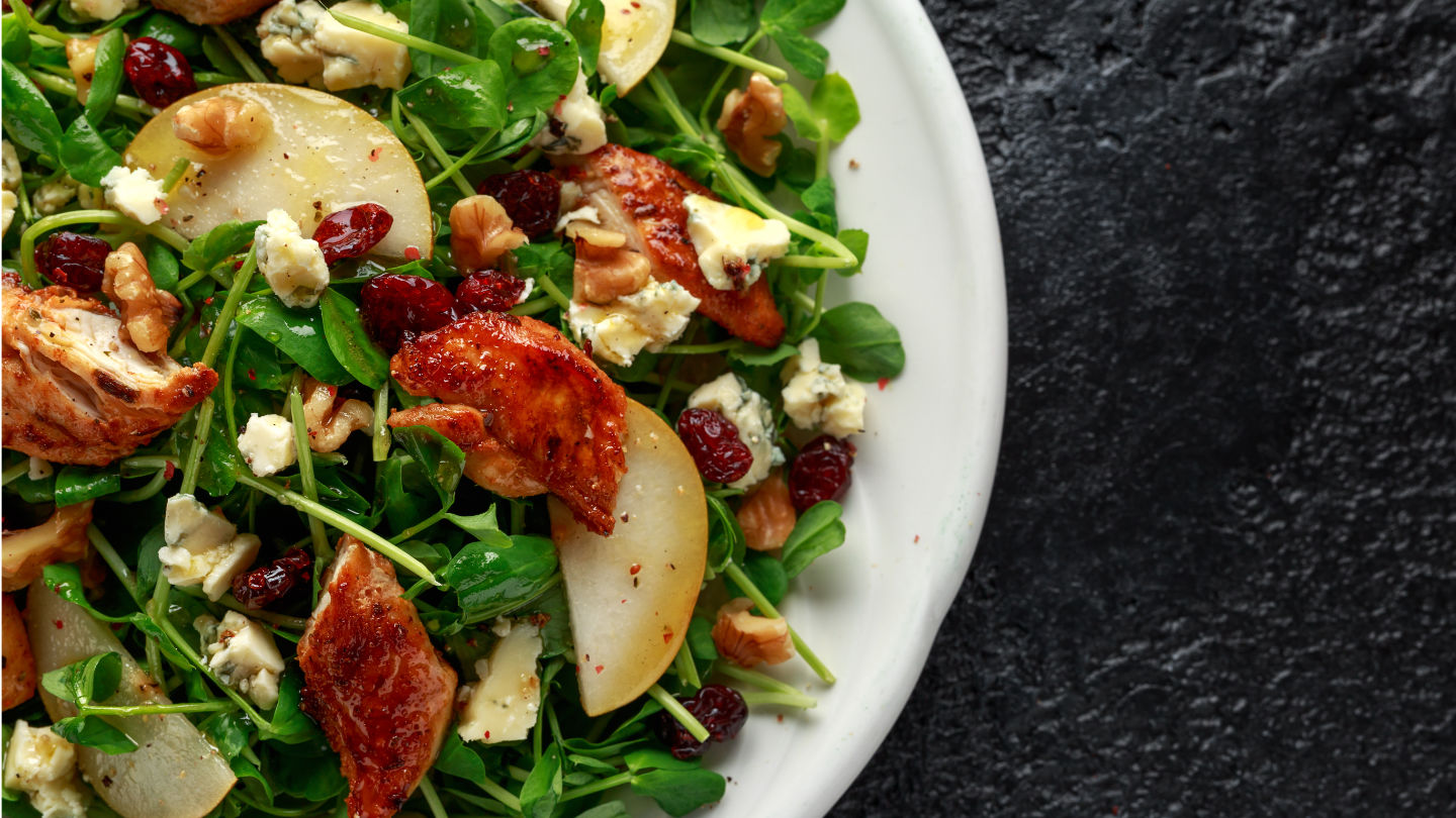 Pear, Chicken Salad With Blue Cheese, Cranberry And Walnuts. Con